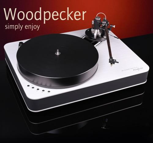 http://www.mmaasmedia.com/images/Feickert/Woodpecker.jpg